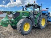Traktor типа John Deere 6215R, Gebrauchtmaschine в Richebourg