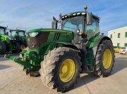 Traktor tipa John Deere 6215R, Gebrauchtmaschine u Richebourg
