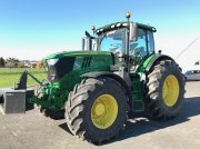 Traktor типа John Deere 6215R, Gebrauchtmaschine в MONDAVEZAN