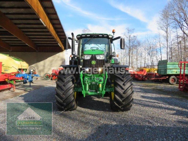 Traktor des Typs John Deere 6215R, Neumaschine in Hofkirchen (Bild 4)