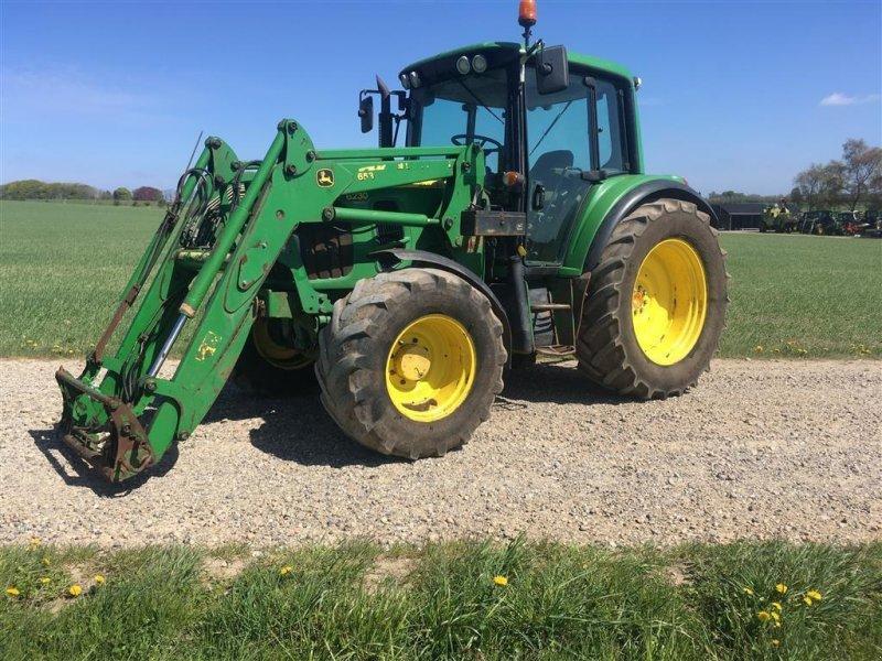Traktor типа John Deere 6230 Premium m/frontlæsser, Gebrauchtmaschine в Bjerringbro (Фотография 2)