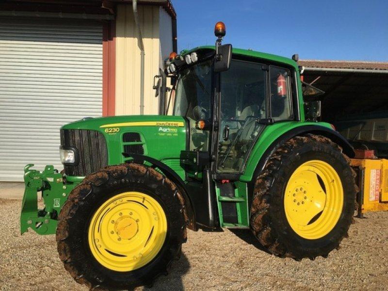 Traktor типа John Deere 6230 PREMIUM, Gebrauchtmaschine в SAVIGNEUX (Фотография 1)