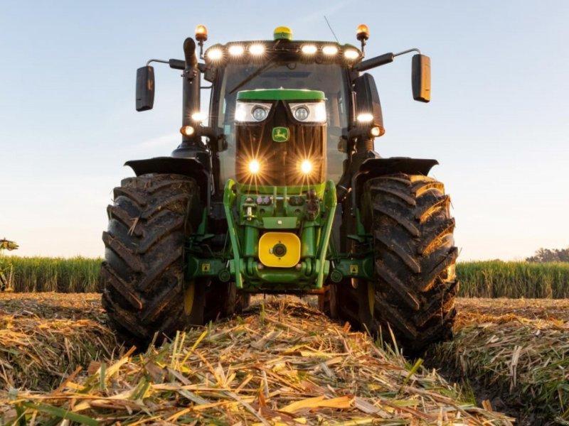Traktor типа John Deere 6230R, Gebrauchtmaschine в Videbæk (Фотография 1)