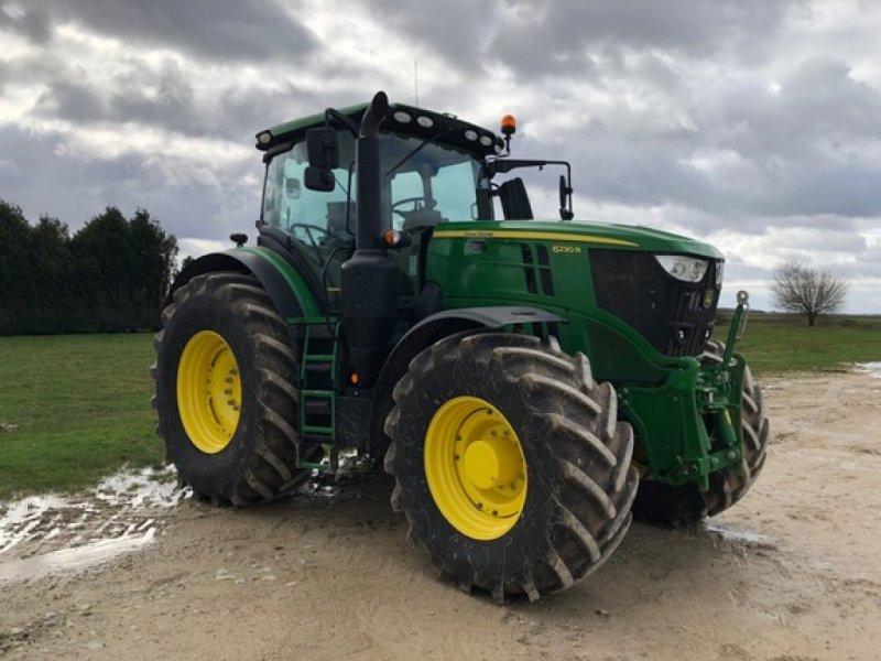 Traktor типа John Deere 6230R, Gebrauchtmaschine в ORSONVILLE (Фотография 1)