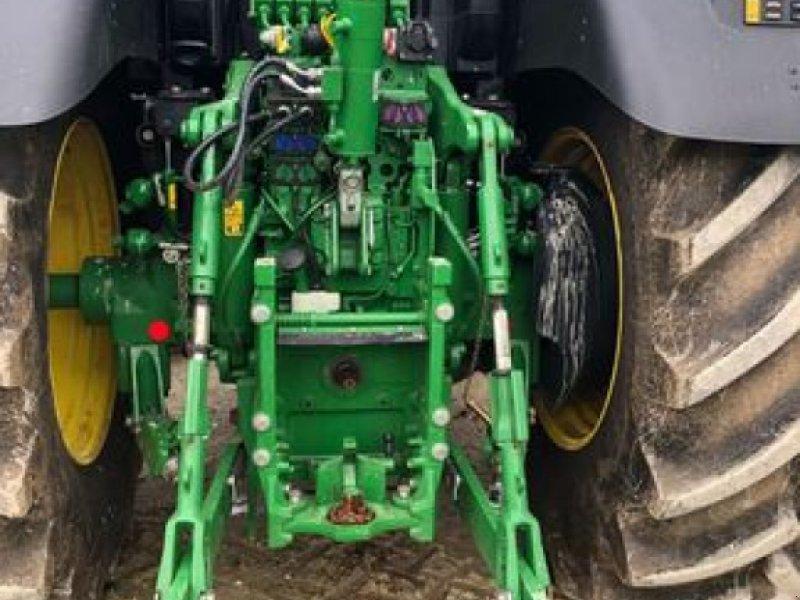 Traktor типа John Deere 6230R, Gebrauchtmaschine в ORSONVILLE (Фотография 6)