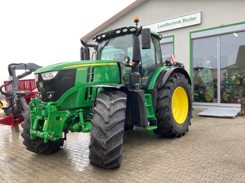 Traktor des Typs John Deere 6250R, Gebrauchtmaschine in Burglengenfeld (Bild 1)