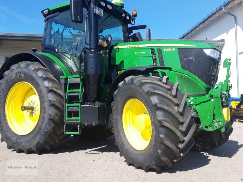 Traktor des Typs John Deere 6250R, Gebrauchtmaschine in Schwabmünchen (Bild 1)