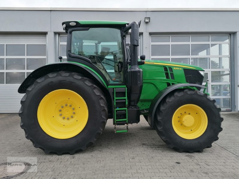 Traktor des Typs John Deere 6250R, Gebrauchtmaschine in Eggenfelden (Bild 9)