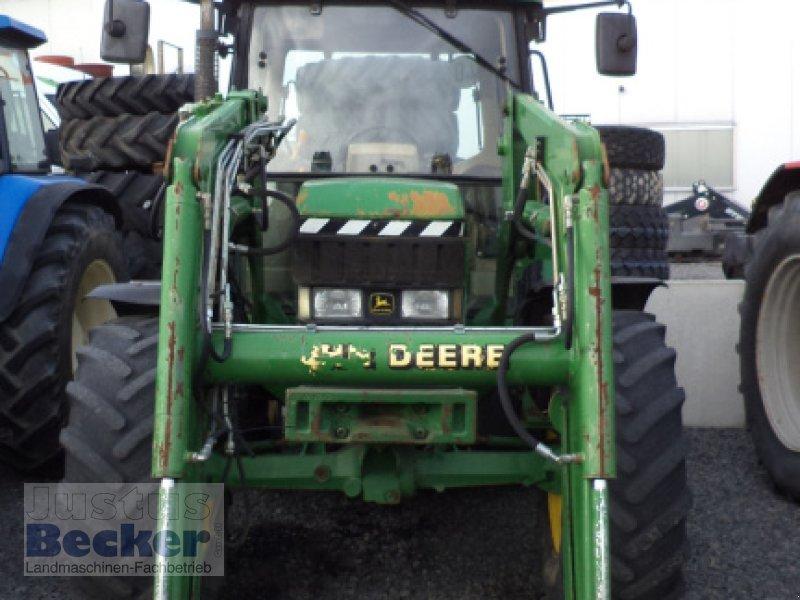 Traktor des Typs John Deere 6310 Premium, Gebrauchtmaschine in Weimar-Niederwalgern (Bild 1)