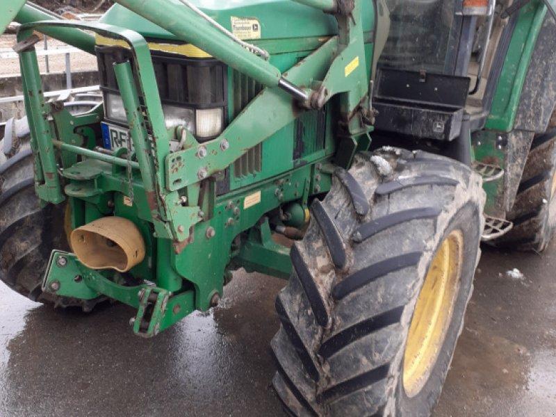 Traktor des Typs John Deere 6310 Premium, Gebrauchtmaschine in Achslach (Bild 1)