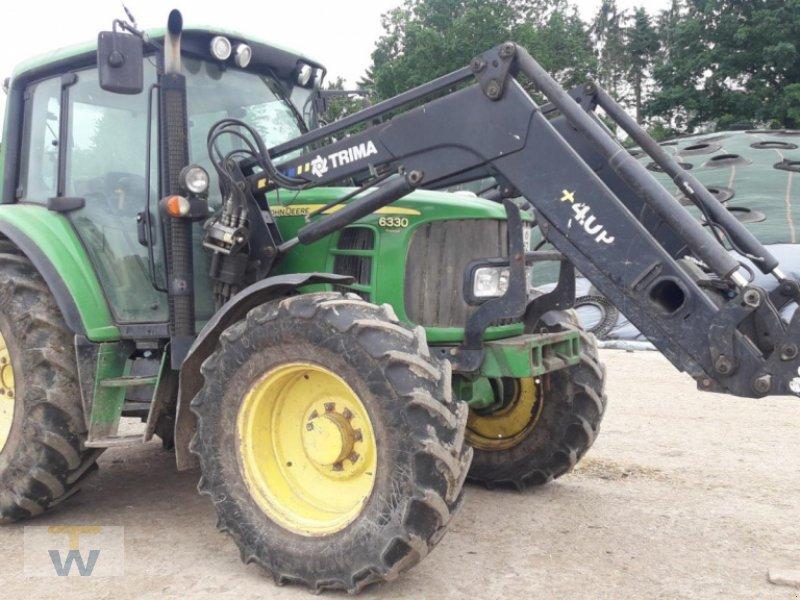 Traktor типа John Deere 6330 Premium, Gebrauchtmaschine в Gleschendorf (Фотография 1)
