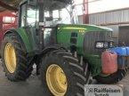 Traktor des Typs John Deere 6330 in Husum