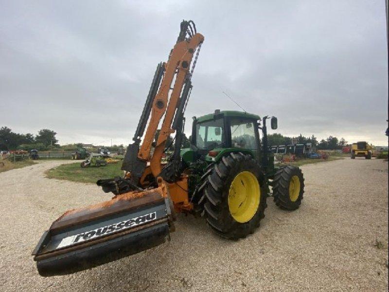 Traktor типа John Deere 6400 EPAREUSE, Gebrauchtmaschine в ARLES (Фотография 3)