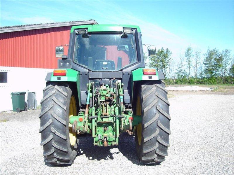 Traktor типа John Deere 6400, Gebrauchtmaschine в Ejstrupholm (Фотография 4)