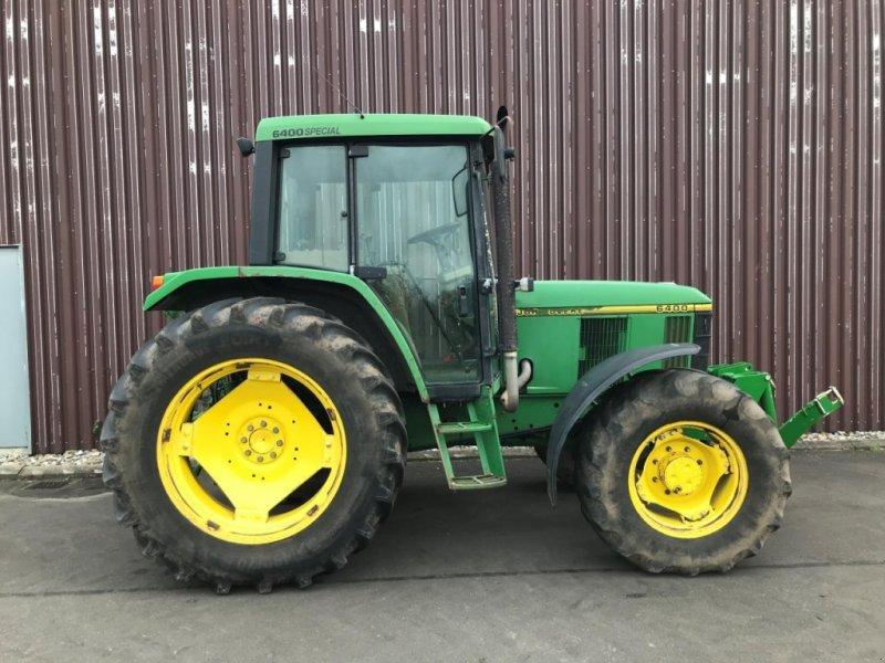 Traktor des Typs John Deere 6400, Gebrauchtmaschine in Odense (Bild 1)
