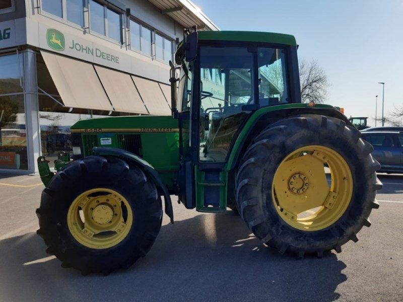 Traktor типа John Deere 6400, Gebrauchtmaschine в Lengnau (Фотография 1)