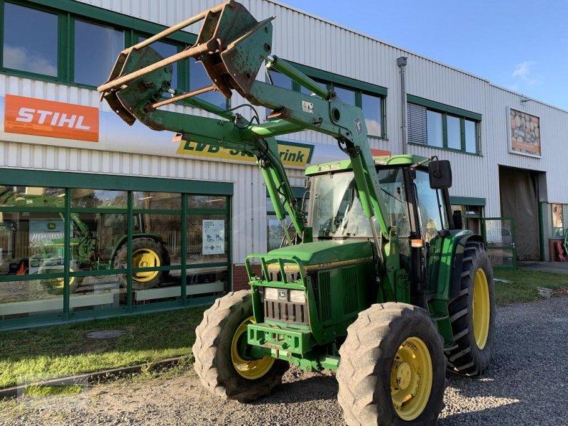 Traktor des Typs John Deere 6400, Gebrauchtmaschine in Barsinghausen OT Groß Munzel (Bild 1)