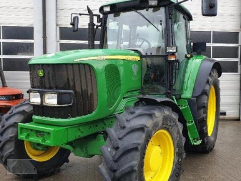 Traktor des Typs John Deere 6520, Gebrauchtmaschine in Kleinlangheim - Atzhausen (Bild 1)