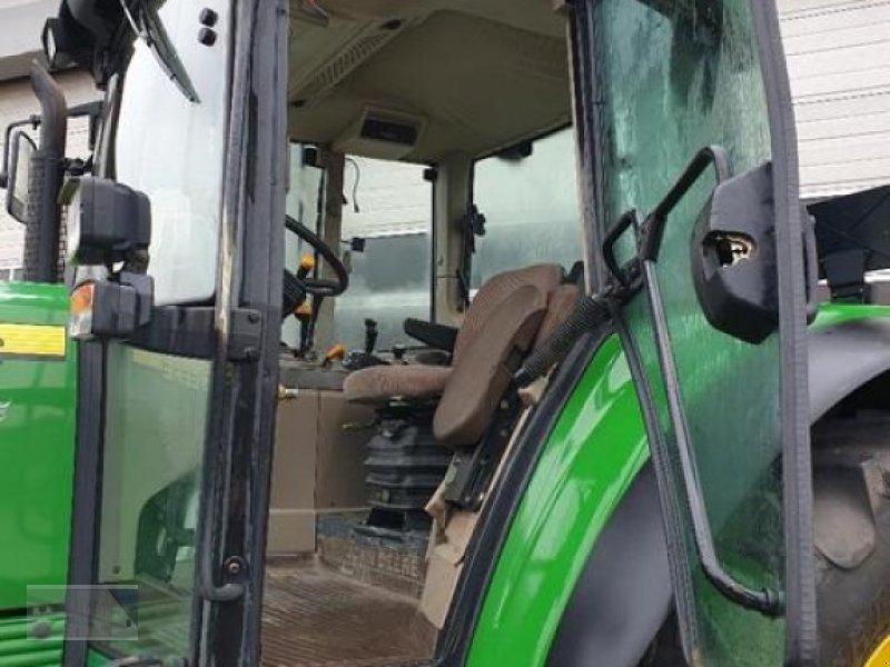 Traktor des Typs John Deere 6520, Gebrauchtmaschine in Kleinlangheim - Atzhausen (Bild 4)