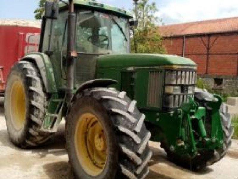 Traktor des Typs John Deere 6600, Gebrauchtmaschine in VELAINES (Bild 1)