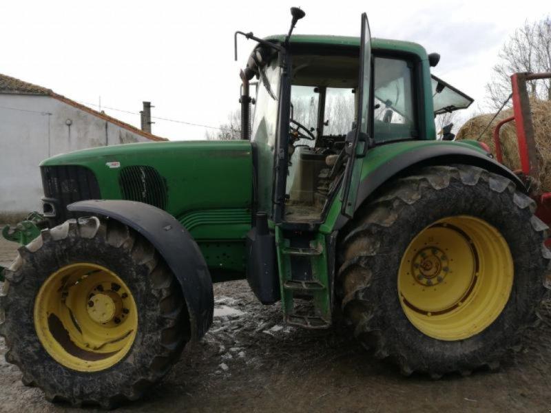 Traktor типа John Deere 6620, Gebrauchtmaschine в ANTIGNY (Фотография 10)