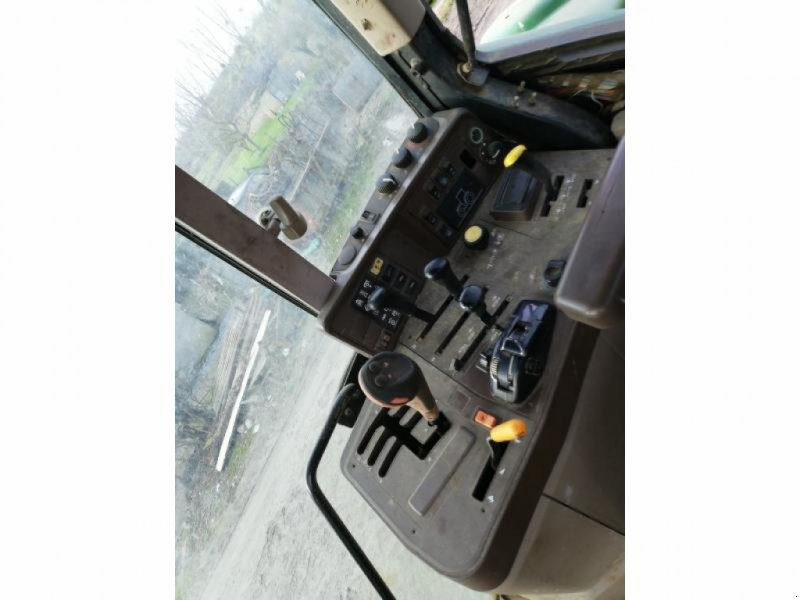 Traktor типа John Deere 6620, Gebrauchtmaschine в ANTIGNY (Фотография 4)
