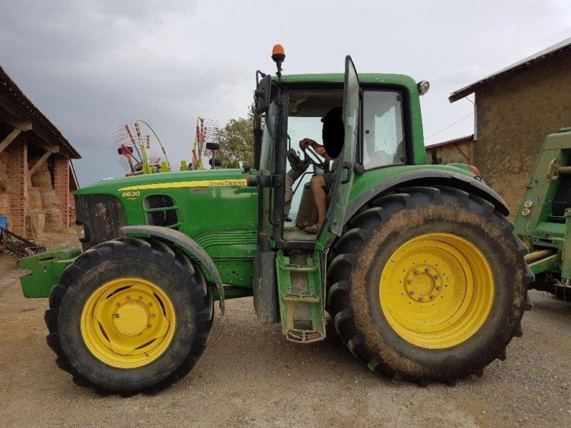Traktor a típus John Deere 6630 PREMIUM, Gebrauchtmaschine ekkor: CASTETIS (Kép 1)