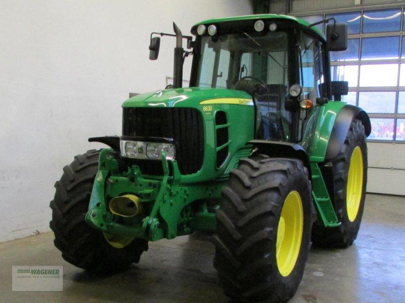 Traktor типа John Deere 6630 PREMIUM, Gebrauchtmaschine в Bad Wildungen-Wega (Фотография 1)