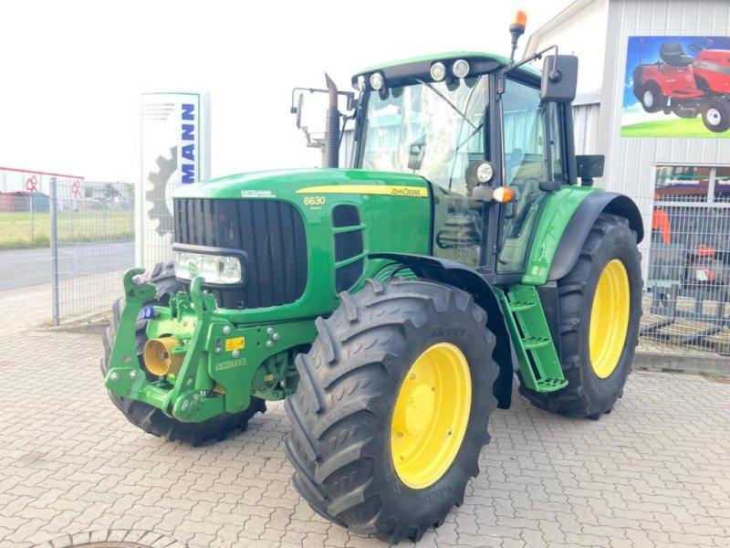Traktor типа John Deere 6630 Premium, Gebrauchtmaschine в Stuhr (Фотография 1)