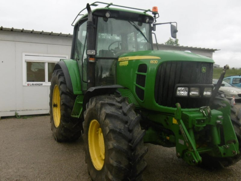 Traktor типа John Deere 6630, Gebrauchtmaschine в CALMONT (Фотография 3)