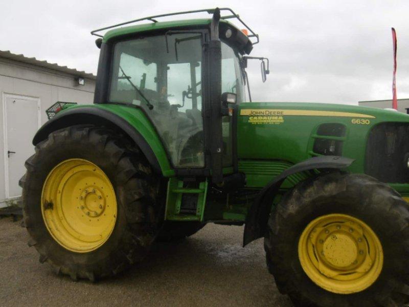 Traktor типа John Deere 6630, Gebrauchtmaschine в CALMONT (Фотография 4)