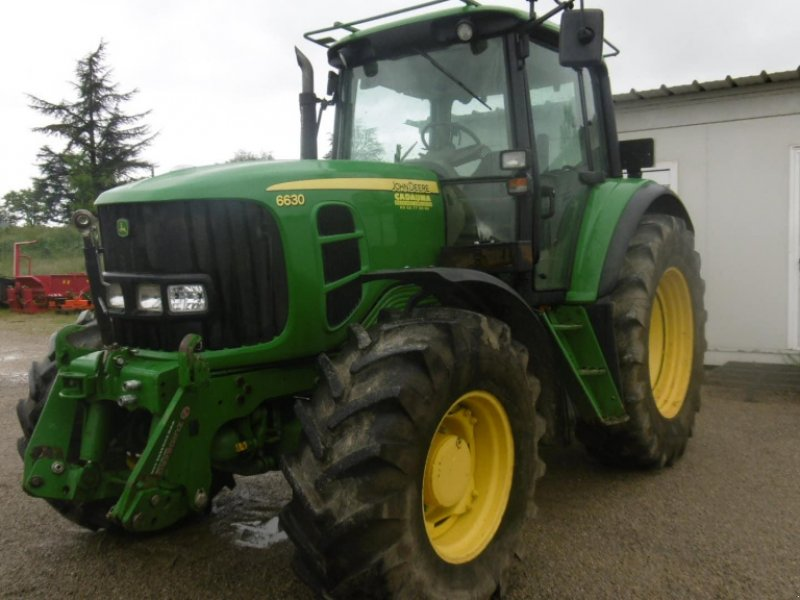 Traktor типа John Deere 6630, Gebrauchtmaschine в CALMONT (Фотография 1)