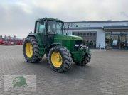 John Deere 6800 Traktor