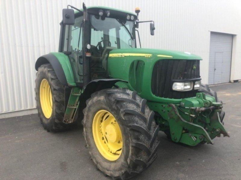 Traktor типа John Deere 6820, Gebrauchtmaschine в CHARNAY LES MACON (Фотография 1)