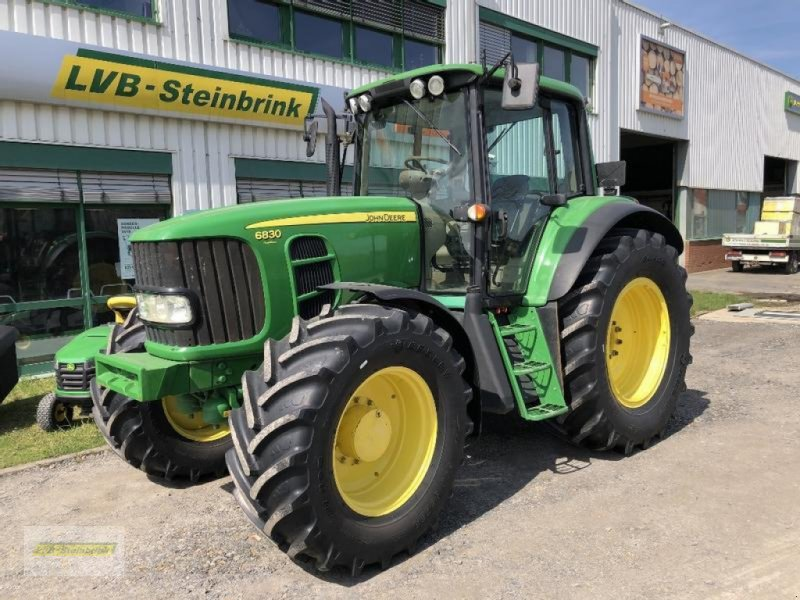 Traktor типа John Deere 6830 Premium AutoPowr 40km/h, Gebrauchtmaschine в Barsinghausen OT Groß Munzel (Фотография 1)