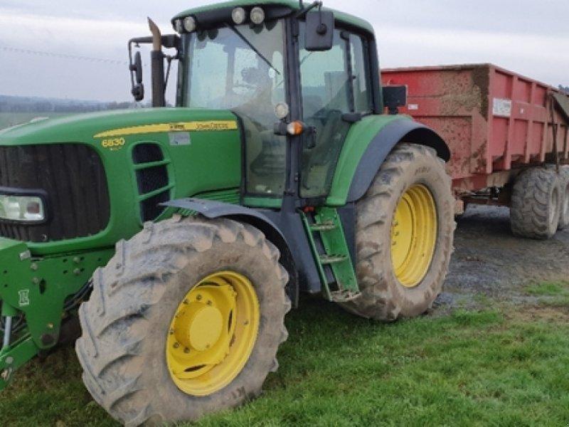 Traktor типа John Deere 6830 PREMIUM, Gebrauchtmaschine в DOMFRONT (Фотография 1)