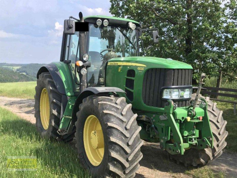 Traktor типа John Deere 6830 Premium, Gebrauchtmaschine в Marsberg-Giershagen (Фотография 1)