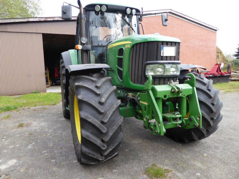 Traktor des Typs John Deere 6830 PREMIUM, Gebrauchtmaschine in Stuhr (Bild 1)