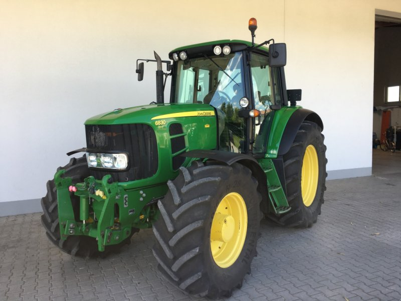 John Deere 6830 PREMIUM Traktor