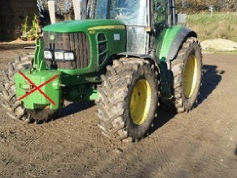 Traktor типа John Deere 6830 STD, Gebrauchtmaschine в DOMFRONT (Фотография 1)