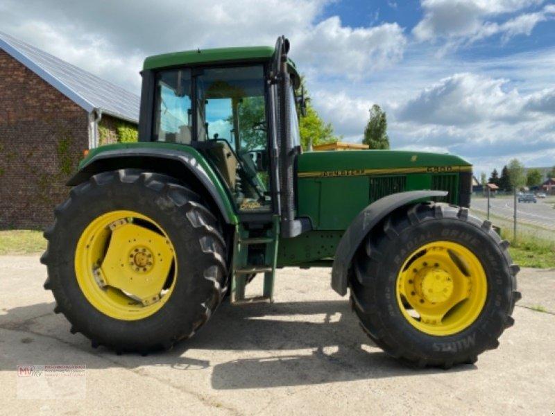 Traktor des Typs John Deere 6900, Ausstellungsmaschine in Burow (Bild 6)
