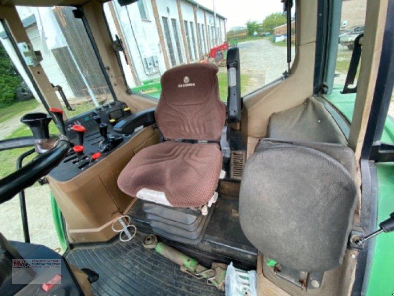Traktor des Typs John Deere 6900, Ausstellungsmaschine in Burow (Bild 11)
