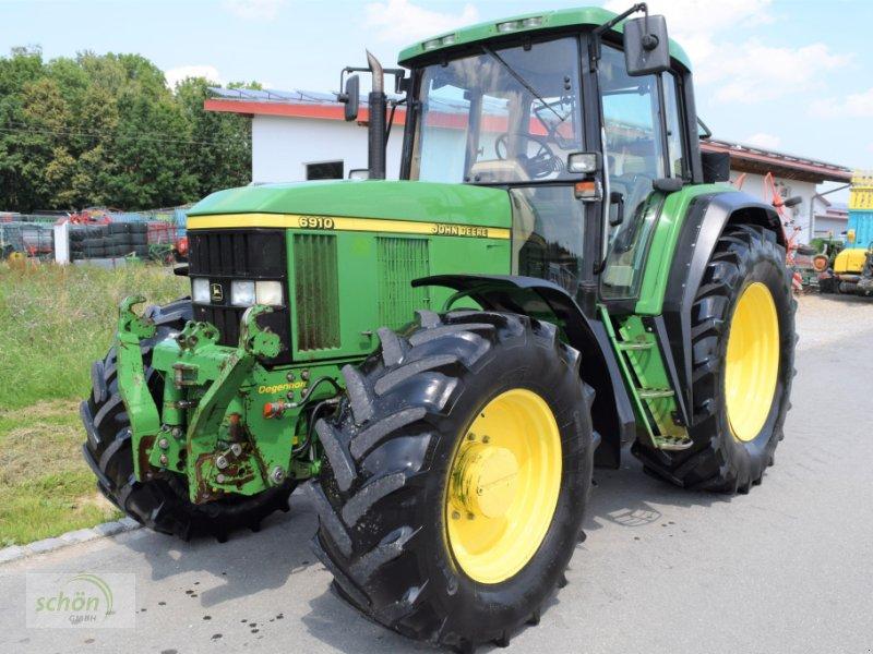 Traktor des Typs John Deere 6910 Premium PowrQuad aus erster Hand, mit gefederter Vorderachse und FH, FZ, Klima..., Gebrauchtmaschine in Burgrieden (Bild 1)