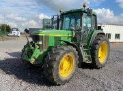 Traktor tipa John Deere 6910, Gebrauchtmaschine u Richebourg