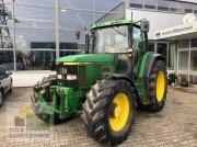 John Deere 6910 Traktor
