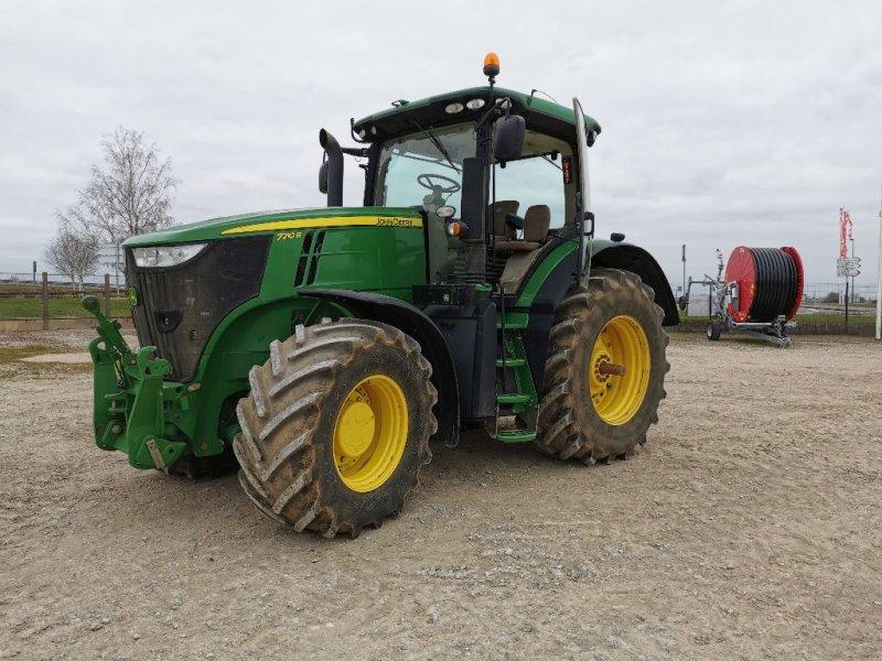 Traktor des Typs John Deere 7210 R, Gebrauchtmaschine in VOVES (Bild 1)