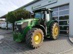 Traktor des Typs John Deere 7230 R in Eggenfelden