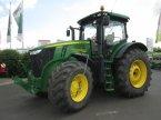 Traktor des Typs John Deere 7230 R in Wülfershausen an der