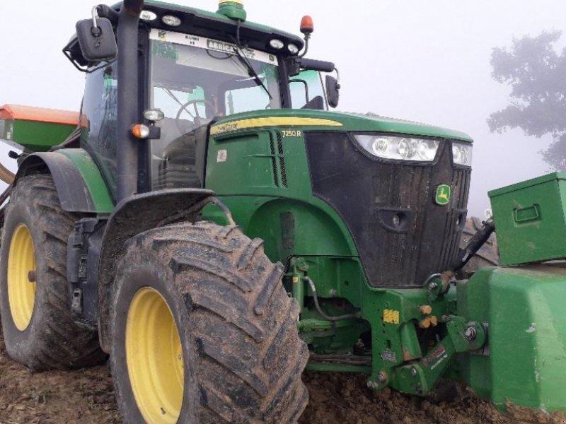 Traktor типа John Deere 7250R, Gebrauchtmaschine в Realmont (Фотография 1)