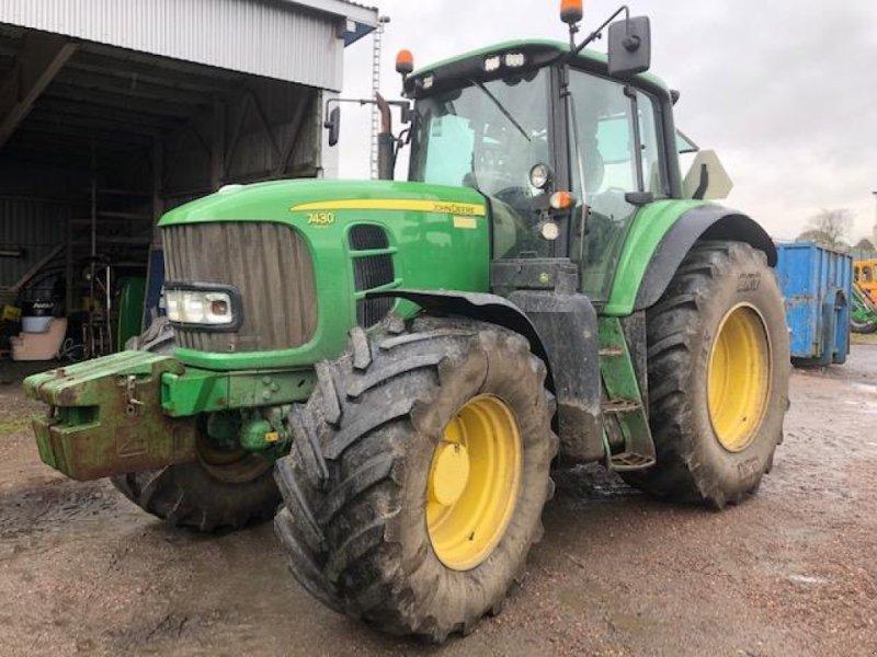 Traktor des Typs John Deere 7430 AP TRAKTOR, Gebrauchtmaschine in  (Bild 1)
